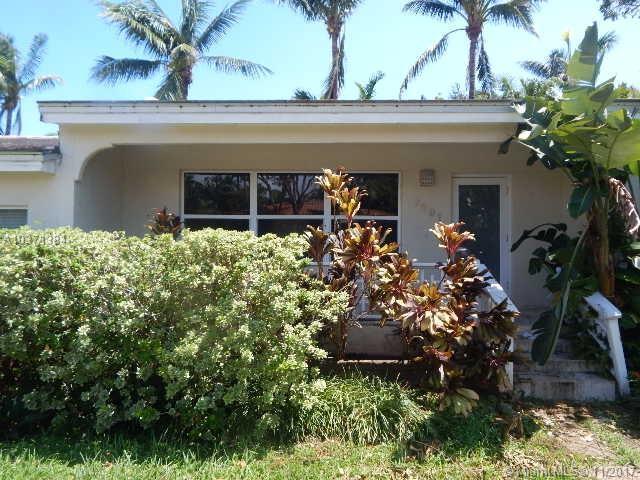 7291 NE 8th Ave, Miami, FL 33138 (MLS #A10371384) :: The Jack Coden Group