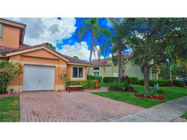 12633 NW 56 #12633, Coral Springs, FL 33076 (MLS #A10371752) :: Stanley Rosen Group