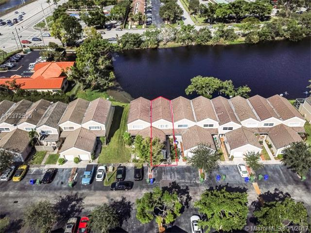 12359 NW 15th St #12359, Pembroke Pines, FL 33026 (MLS #A10372599) :: Stanley Rosen Group