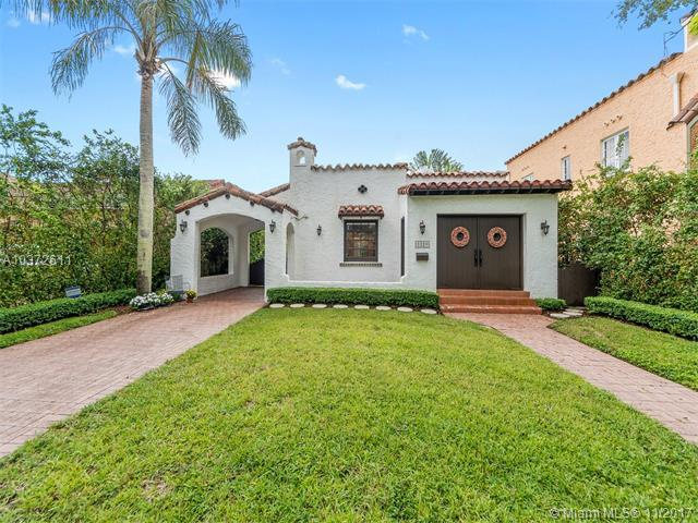 1320 Sorolla Ave, Coral Gables, FL 33134 (MLS #A10372611) :: The Riley Smith Group