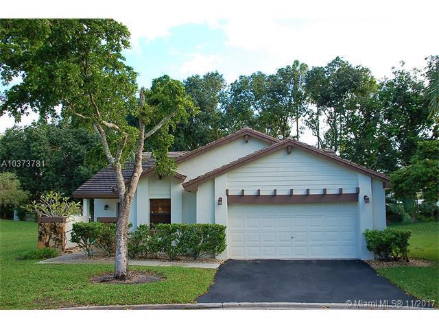 1998 Denver, Weston, FL 33326 (MLS #A10373781) :: Castelli Real Estate Services