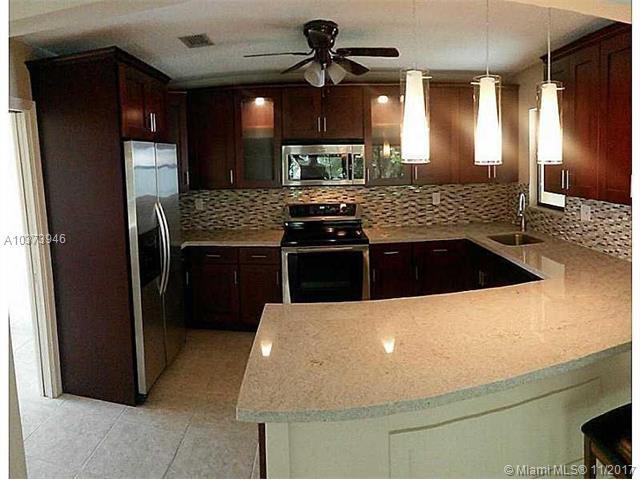 9290 Shadow Wood Blvd, Coral Springs, FL 33071 (MLS #A10373946) :: Stanley Rosen Group