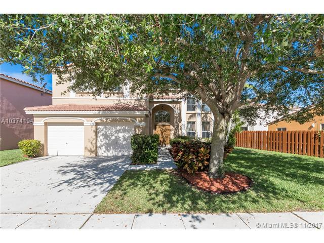1771 E Harmony Lake Cir, Davie, FL 33324 (MLS #A10374194) :: Stanley Rosen Group