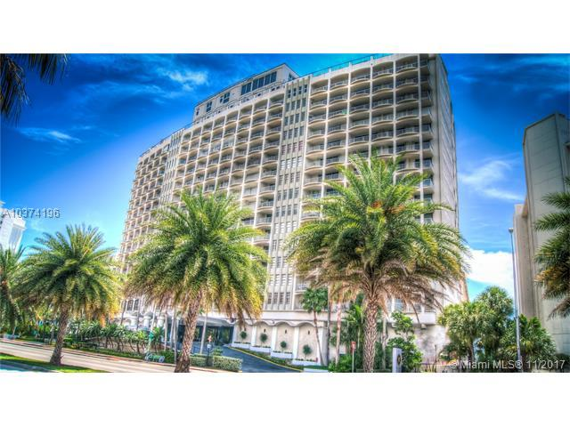 5401 Collins Ave #1129, Miami Beach, FL 33140 (MLS #A10374196) :: The Riley Smith Group