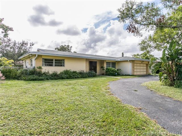 7460 NW 11th Pl, Plantation, FL 33313 (MLS #A10375069) :: Green Realty Properties