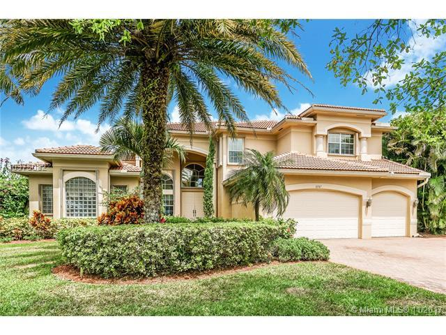 10767 Garden Ridge Ct, Davie, FL 33328 (MLS #A10375082) :: Stanley Rosen Group