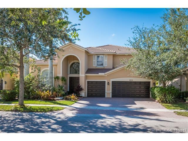 19226 N Hibiscus St, Weston, FL 33332 (MLS #A10375298) :: Green Realty Properties