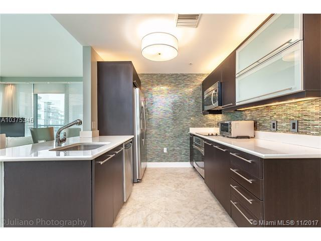 90 SW 3RD ST #3904, Miami, FL 33130 (MLS #A10375346) :: The Riley Smith Group