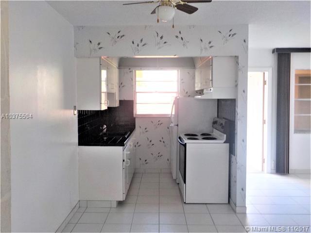 2145 Pierce St #226, Hollywood, FL 33020 (MLS #A10375504) :: Green Realty Properties