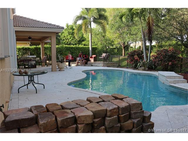 5101 SW 173rd Ave, Miramar, FL 33029 (MLS #A10375600) :: Green Realty Properties