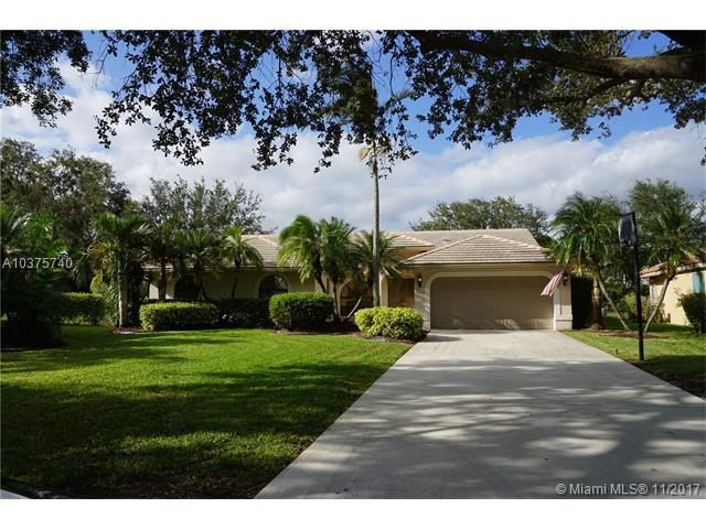 4976 NW 97th Dr, Coral Springs, FL 33076 (MLS #A10375740) :: Stanley Rosen Group