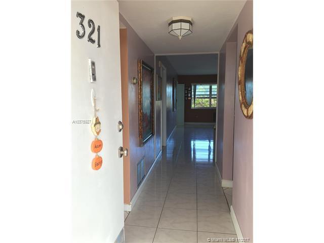 1540 NE 191st St #321, Miami, FL 33179 (MLS #A10375927) :: Stanley Rosen Group