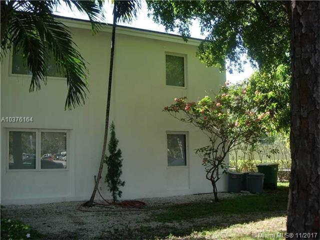 4 Alhambra Cr, Coral Gables, FL 33134 (MLS #A10376164) :: The Riley Smith Group