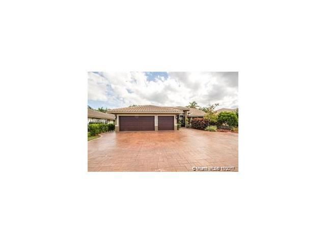 9954 NW 65th Mnr, Parkland, FL 33076 (MLS #A10376196) :: The Chenore Real Estate Group