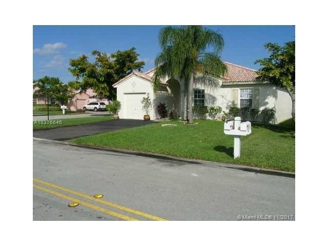 1771 SW 120th Ter, Miramar, FL 33025 (MLS #A10376646) :: Stanley Rosen Group