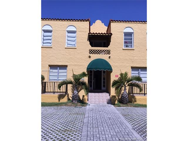 931 Catalonia Ave, Coral Gables, FL 33134 (MLS #A10376722) :: The Riley Smith Group