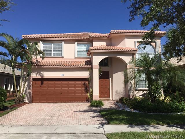 1243 NW 167th Ave, Pembroke Pines, FL 33028 (MLS #A10376727) :: Stanley Rosen Group