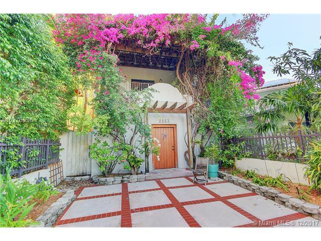 2553 Trapp Ave, Coconut Grove, FL 33133 (MLS #A10376996) :: The Teri Arbogast Team at Keller Williams Partners SW