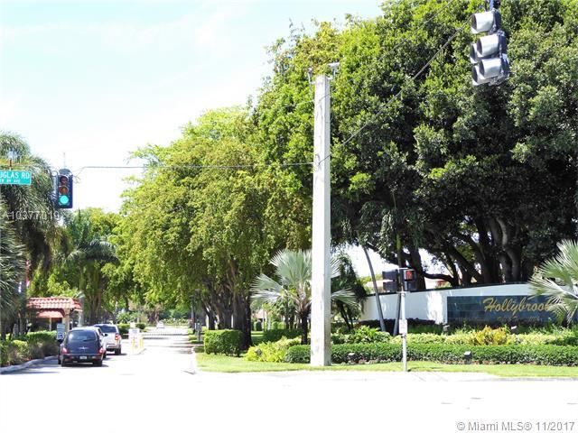 150 S Hollybrook Ter #304, Pembroke Pines, FL 33025 (MLS #A10377019) :: Stanley Rosen Group
