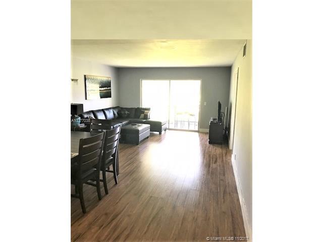 900 SW 125th Way 103R, Pembroke Pines, FL 33027 (MLS #A10377038) :: Stanley Rosen Group