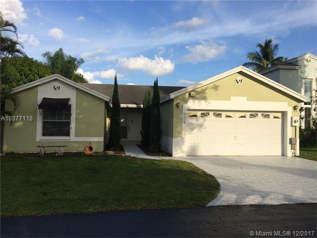 14526 SW 93rd Ter, Miami, FL 33186 (MLS #A10377118) :: The Teri Arbogast Team at Keller Williams Partners SW