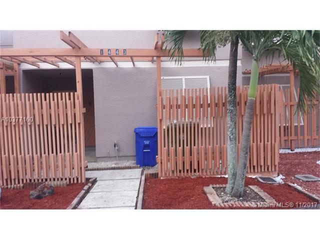 1443 NW 113th Way, Pembroke Pines, FL 33026 (MLS #A10377160) :: Stanley Rosen Group