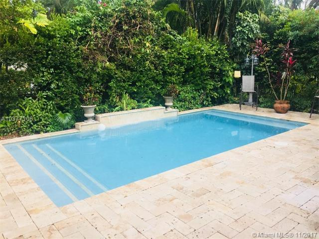424 Sansovino Ave, Coral Gables, FL 33146 (MLS #A10377308) :: The Riley Smith Group