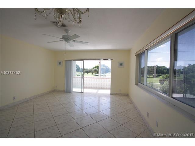 1700 Pierce St #304, Hollywood, FL 33020 (MLS #A10377402) :: Stanley Rosen Group