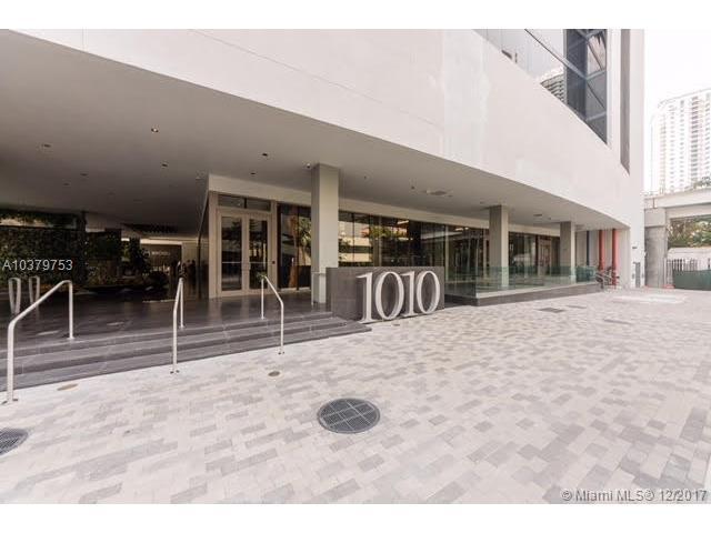 1010 Brickell Av #1606, Miami, FL 33131 (MLS #A10379753) :: The Erice Team