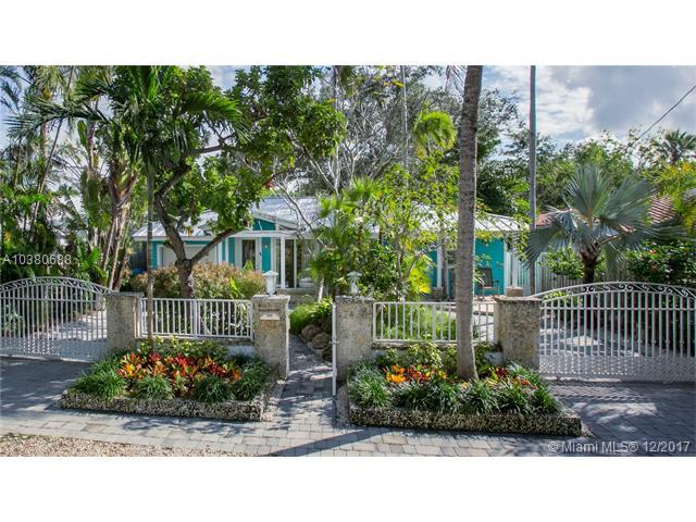 2430 Lincoln Ave, Miami, FL 33133 (MLS #A10380688) :: The Riley Smith Group