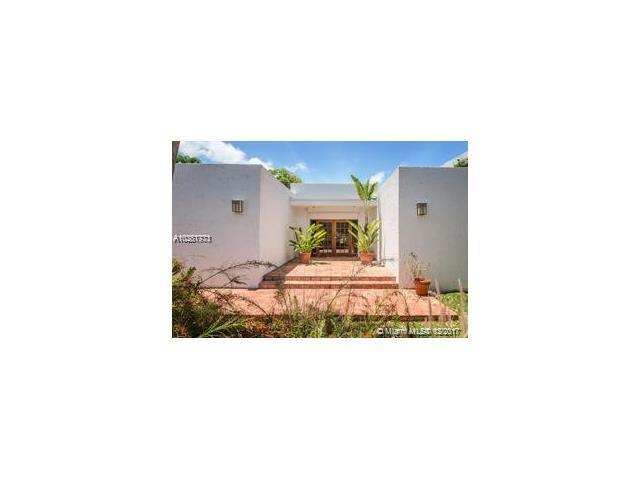 330 S Parkway, Golden Beach, FL 33160 (MLS #A10381773) :: Green Realty Properties