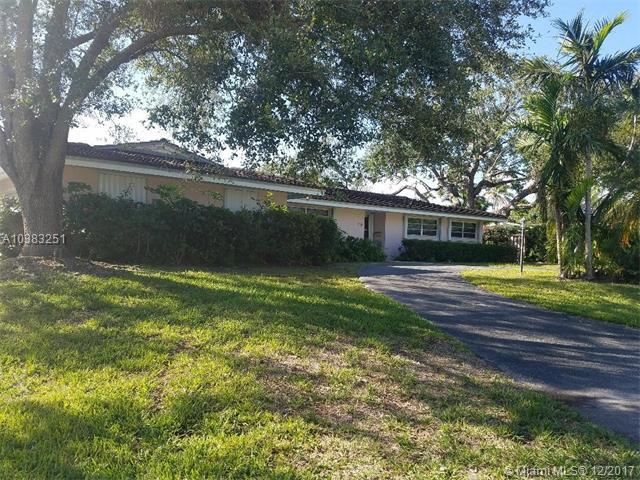 8000 SW 142nd Ter, Palmetto Bay, FL 33158 (MLS #A10383251) :: The Erice Team