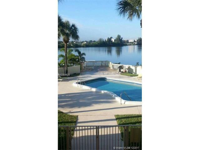 900 Crystal Lake Dr 2B, Deerfield Beach, FL 33064 (MLS #A10384625) :: The Teri Arbogast Team at Keller Williams Partners SW