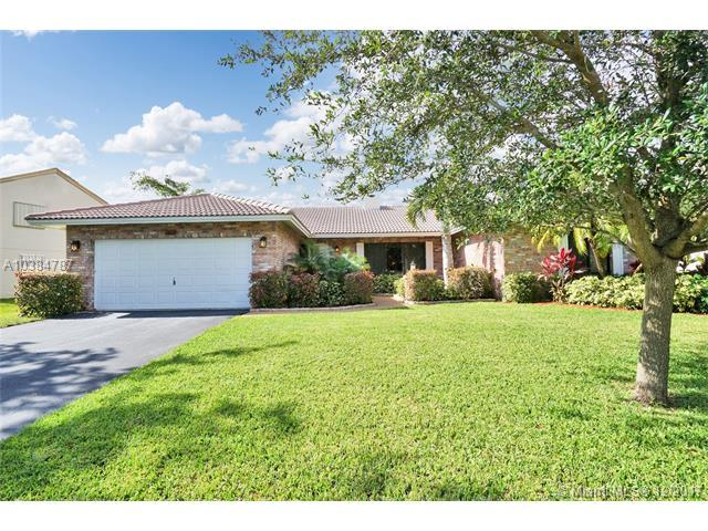 672 NW 109th Ter, Coral Springs, FL 33071 (MLS #A10384787) :: The Teri Arbogast Team at Keller Williams Partners SW