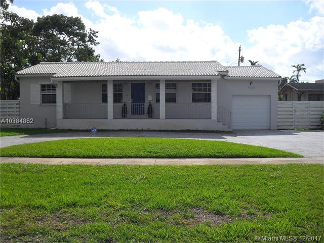 920 Plover Ave, Miami Springs, FL 33166 (MLS #A10384862) :: Green Realty Properties