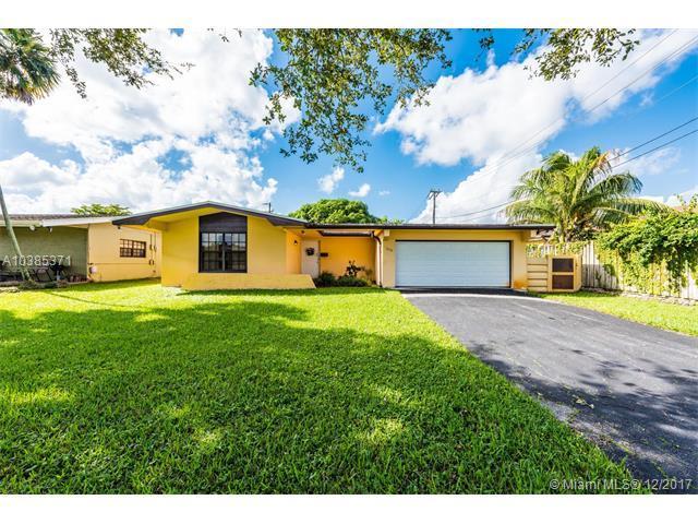 3710 SW 68th Ave, Miramar, FL 33324 (MLS #A10385371) :: Green Realty Properties