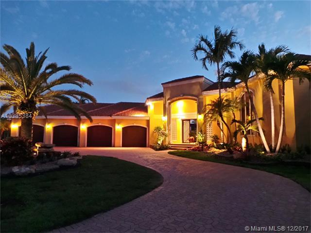 11400 NW 7th St, Plantation, FL 33325 (MLS #A10385384) :: The Teri Arbogast Team at Keller Williams Partners SW