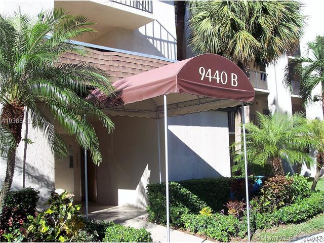 9440 Poinciana Pl #216, Davie, FL 33324 (MLS #A10385433) :: The Chenore Real Estate Group