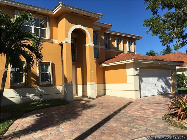 2692 SW 137th Ter, Miramar, FL 33027 (MLS #A10385947) :: The Chenore Real Estate Group