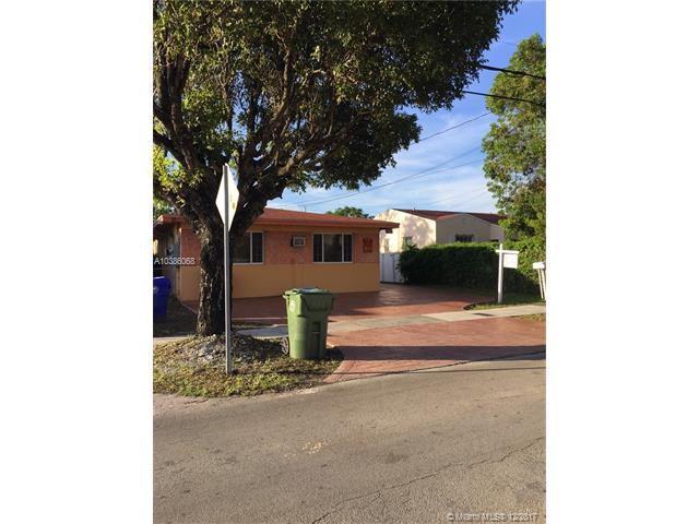 2926 SW 5th St, Miami, FL 33135 (MLS #A10386068) :: The Riley Smith Group