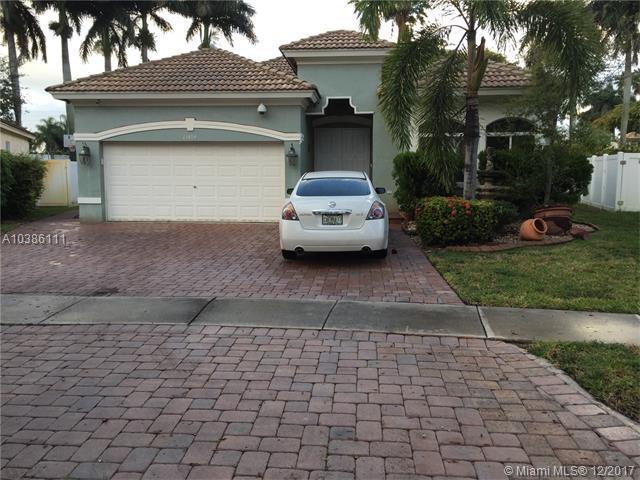 13494 SW 32nd St, Miramar, FL 33027 (MLS #A10386111) :: Green Realty Properties