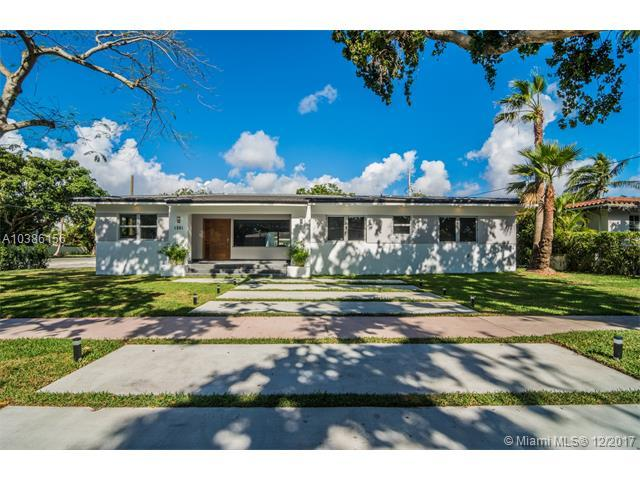 1551 Zoreta Ave, Coral Gables, FL 33146 (MLS #A10386156) :: The Riley Smith Group