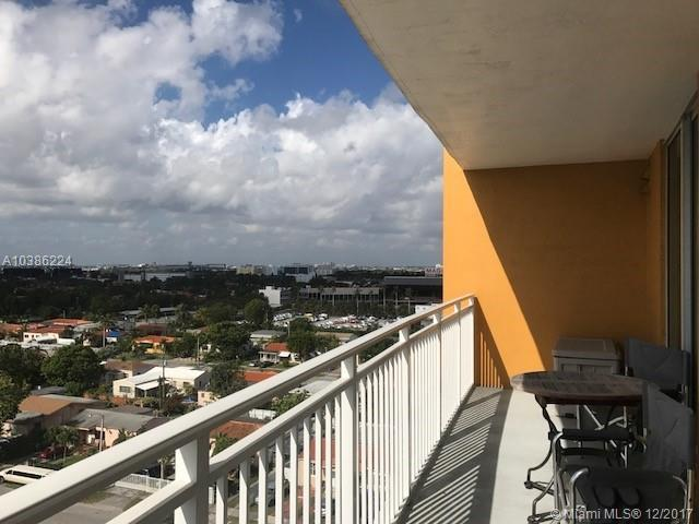 60 NW 37th Ave #901, Miami, FL 33125 (MLS #A10386224) :: The Riley Smith Group