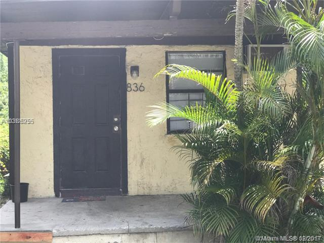 836 NW 15th Ave, Fort Lauderdale, FL 33311 (MLS #A10386255) :: The Teri Arbogast Team at Keller Williams Partners SW