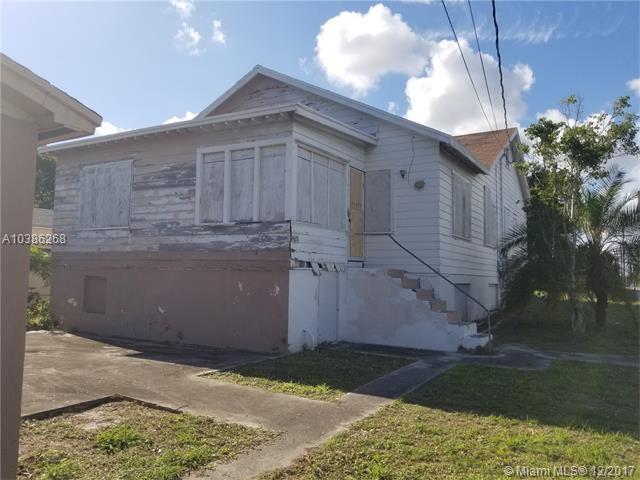 230 N B St, Lake Worth, FL 33460 (MLS #A10386268) :: The Riley Smith Group