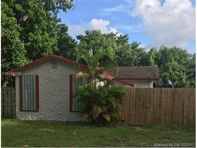 2348 NW 64th St, Miami, FL 33147 (MLS #A10386299) :: Green Realty Properties