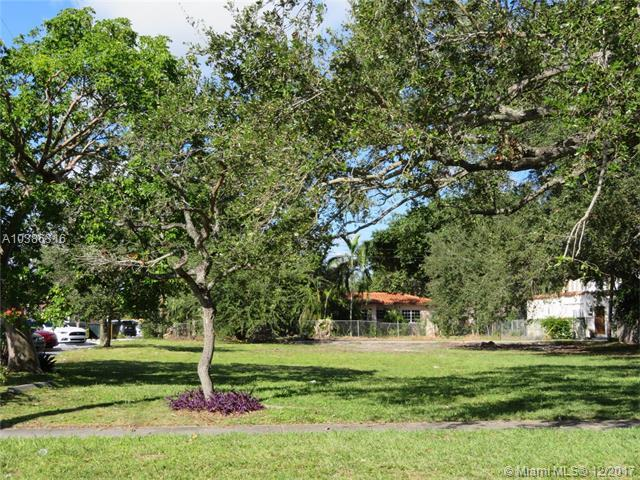 251 NE 95 ST, Miami Shores, FL 33138 (MLS #A10386316) :: The Jack Coden Group