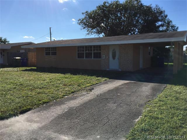 1020 NW 76th Ter, Pembroke Pines, FL 33024 (MLS #A10386581) :: The Chenore Real Estate Group