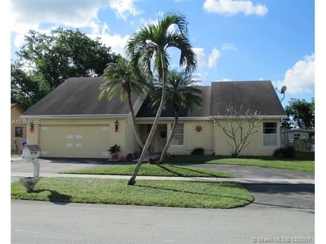 610 NW 86th Ave, Pembroke Pines, FL 33024 (MLS #A10386695) :: Melissa Miller Group