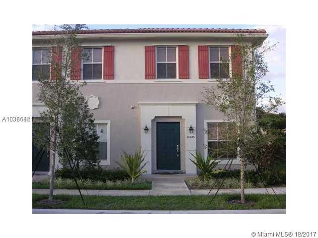 10025 SW 24th Ct, Miramar, FL 33025 (MLS #A10386821) :: The Chenore Real Estate Group